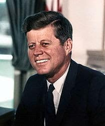 Biografi John F Kennedy - Presiden Amerika Yang Terbunuh