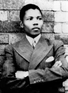Biografi Nelson Mandela 219x300 - Biografi Nelson Mandela - Peraih Nobel Perdamaian