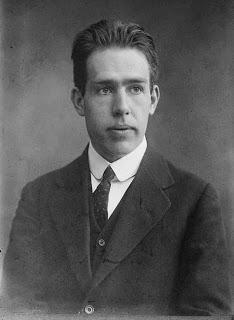 Biografi Niels Bohr - Penemu Teori Struktur Atom
