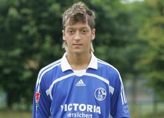 Biografi Mesut Ozil