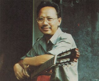 Biografi Ebit G. Ade - Penyanyi Dan Penulis Lagu