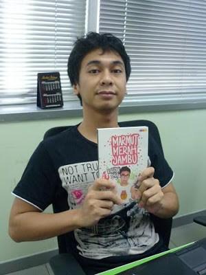 Biografi Raditya Dika - Penulis Muda Indonesia