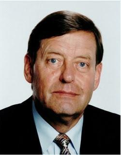 Biografi Friedhelm Hillebrand - Penemu SMS (Short Message Service)