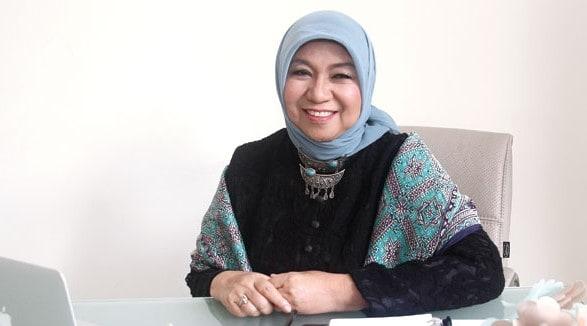 Biografi Nurhayati Subakat