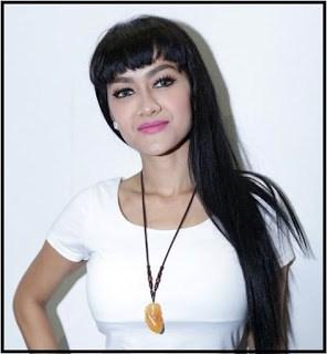 Biografi dan Profil Julia Perez Beserta Biodata - Artis Indonesia