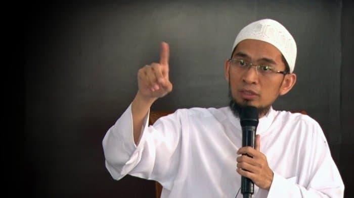 Profil Dan Biografi Ustadz Adi Hidayat Lc Ma