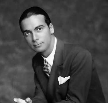 Biografi Cristobal Balenciaga