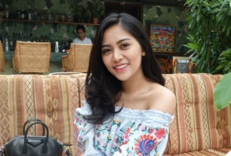 Biografi Rachel Vennya