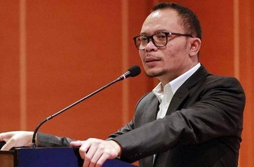 Biografi Hanif Dhakiri, Perjalanan Anak TKW Yang Sukses Menjadi Menteri